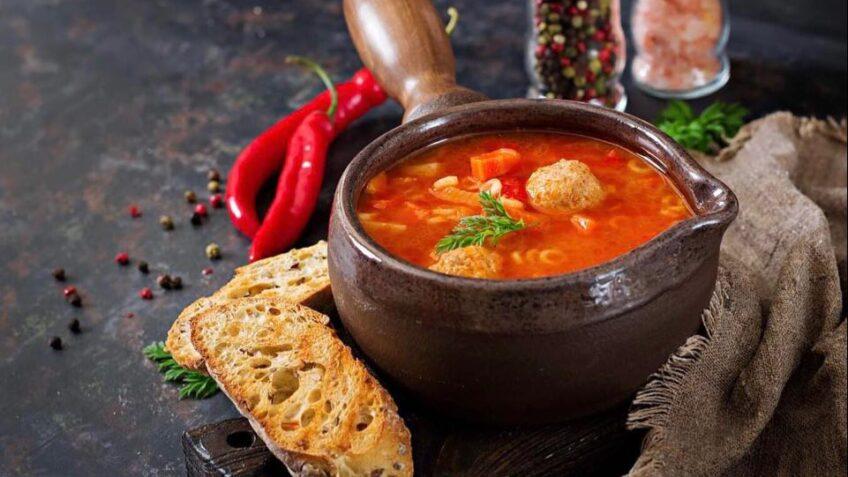 Ciorba de perișoare este una dintre cele mai gustoase ciorbe din bucătăria românească.
