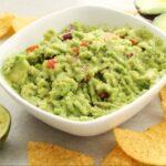Guacamole - este un sos mexican pe bază de avocado