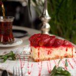 Prăjitură cu căpșuni și vanilie - un desert pufos și aromat