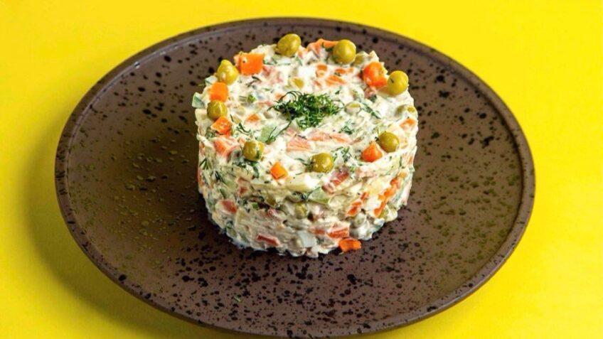 Salată de Boeuf - ideală de sărbători